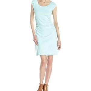 Cap sleeve ballet neck dress   Three Dots